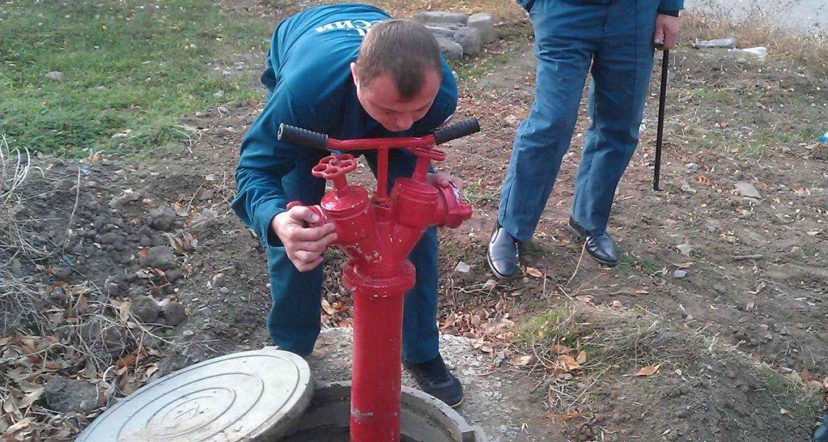 высочайшие фото пожарный ключ для гидранта как ловил