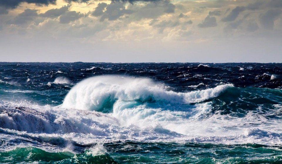 черное море шторм картинки новая